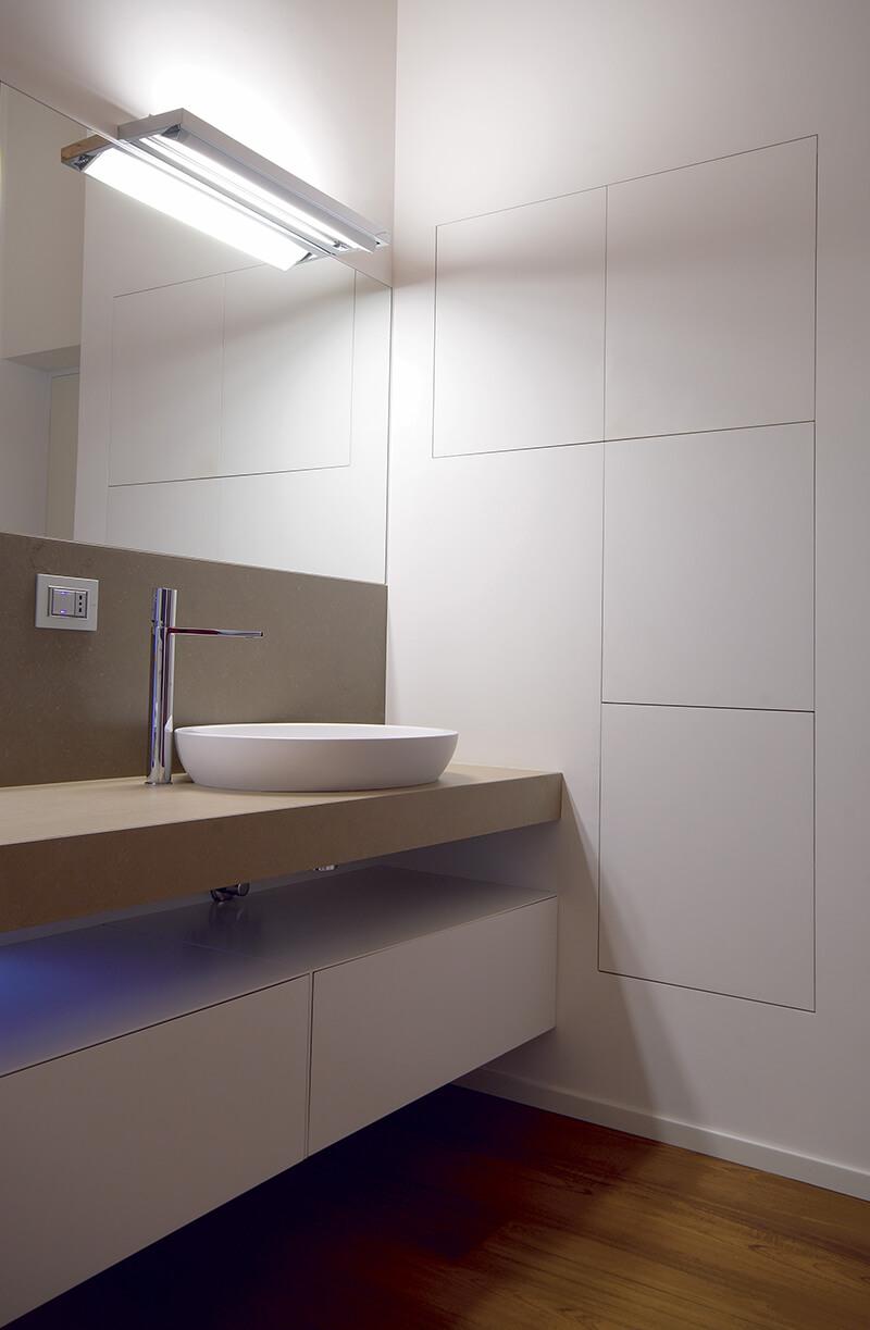 foto di parete contenitore bagno personalizzabile