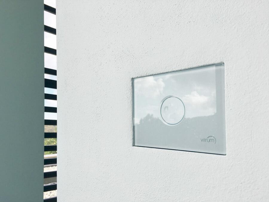 foto di interruttori filo muro personalizzati