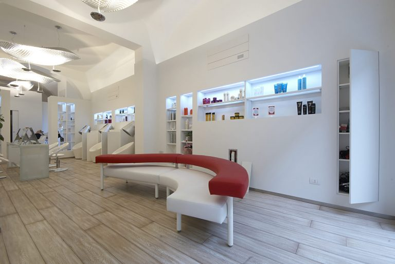 foto di soluzioni combinate negozio aperte
