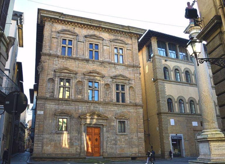 foto di chiusure invisibili Palazzo Salimbeni