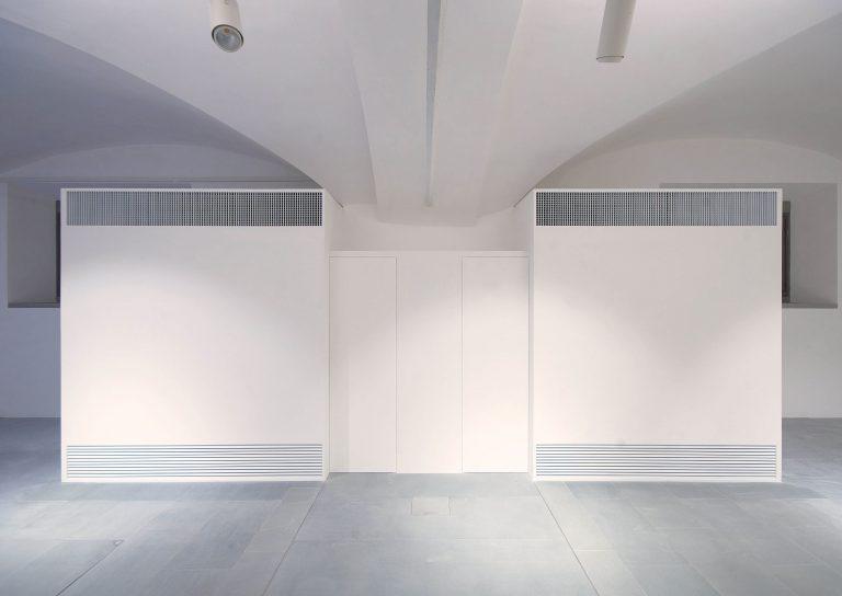 foto di chiusure invisibili sistemi Fantasmino chiuso