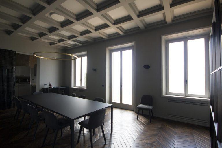 foto chiusure invisibili chiuse in una villa di Fiesole