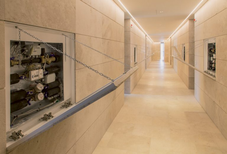 foto di chiusure impianti invisibili aperti a roma
