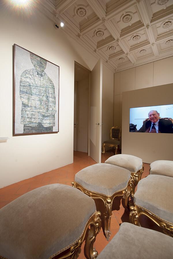 foto di Porte filo muro aperte raso parete Palazzo Salimbeni