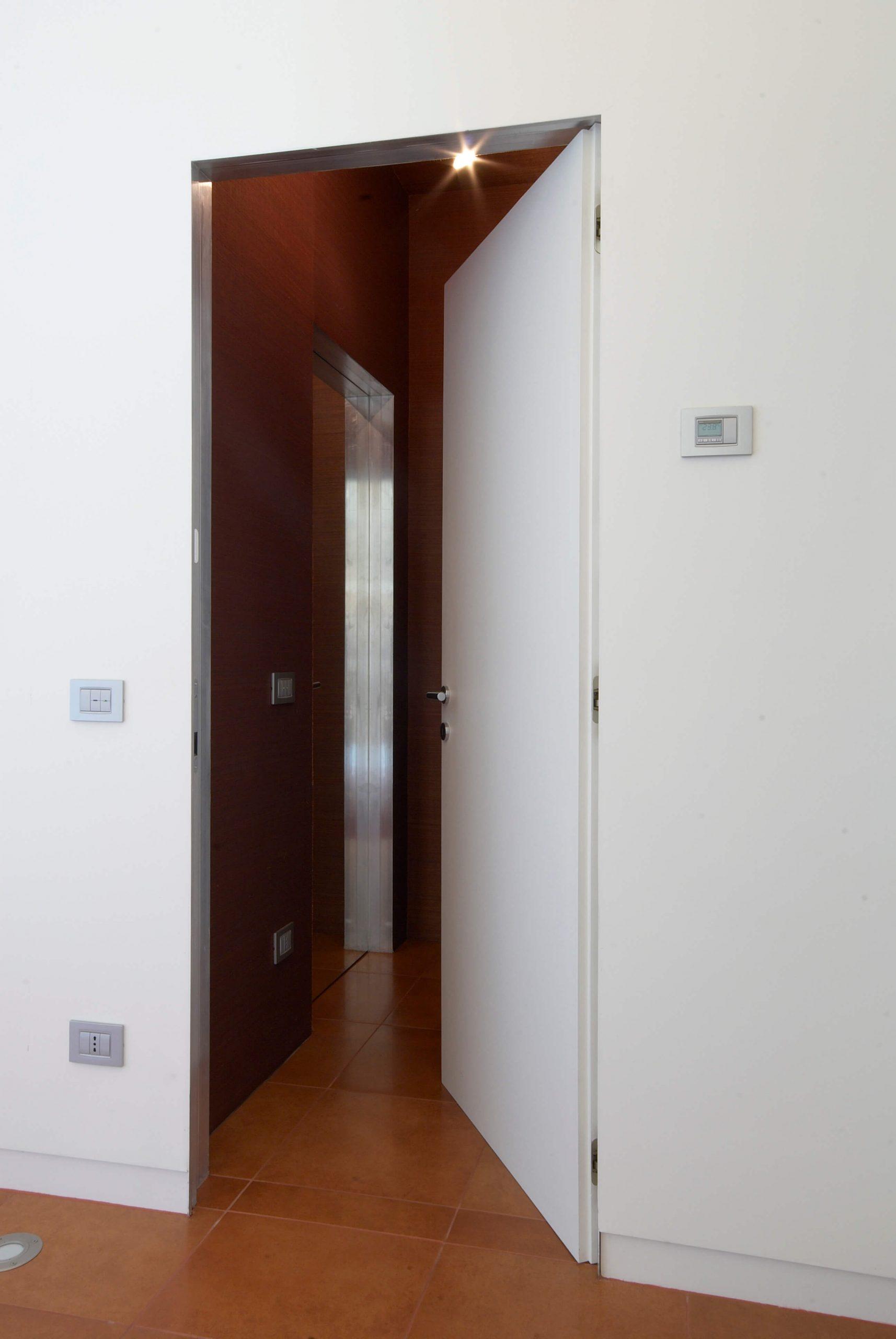 foto di porte filo muro