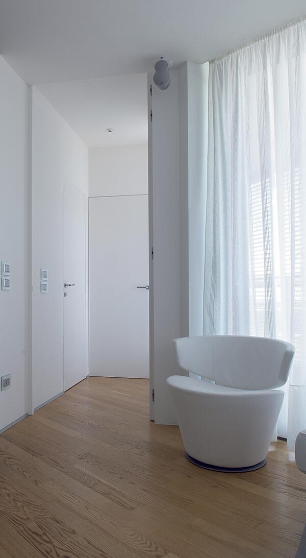 foto Porta porta filo soffitto aperta
