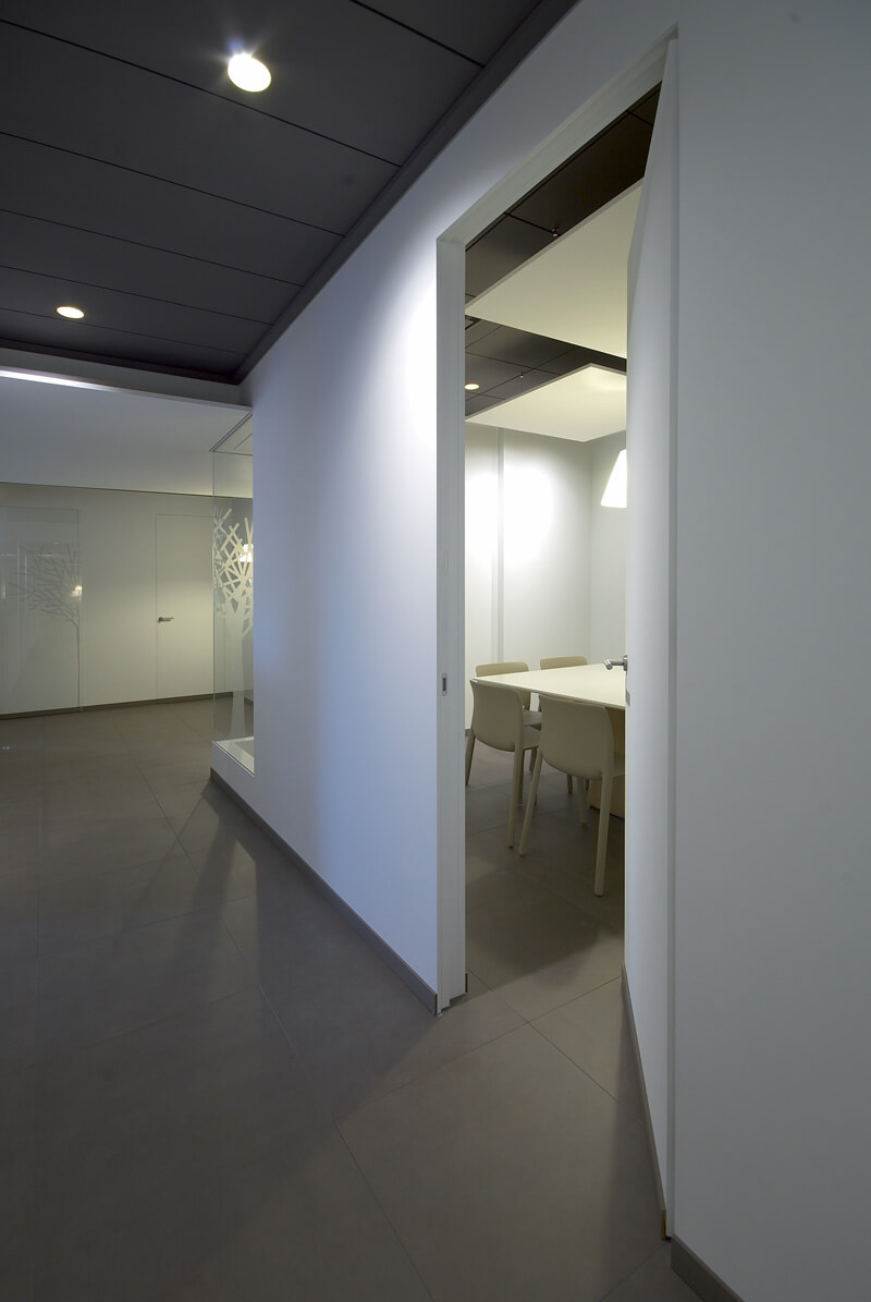 foto di Porte Filo Muro chiuse in ufficio