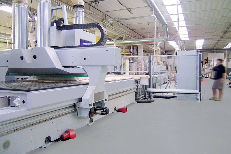foto dei macchinari che producono Raso Parete