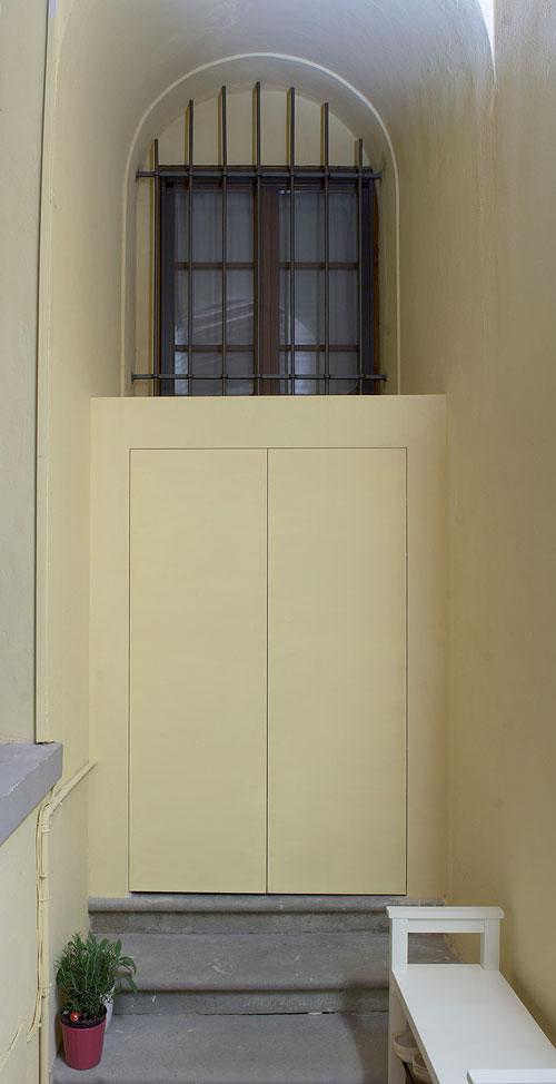 foto di mobili alluminio esterno raso parete